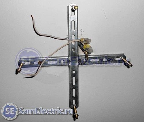 Монтаж кронштейна для подключения люстры с пультом