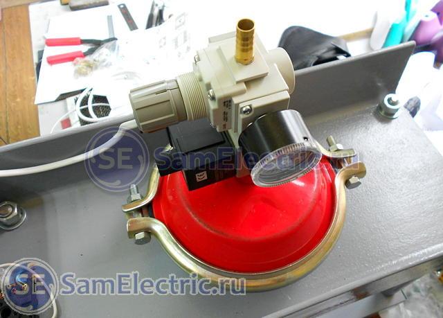 Пневматический пресс на основе таймера и контроллера температуры