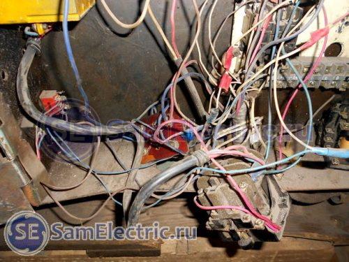 Потроха внутри электрошкафа