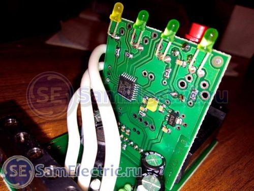 Стабилизатор и контроллер в схеме переключателя фаз
