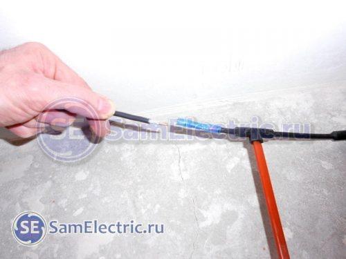 Соединение. Вставляем провода в гильзу