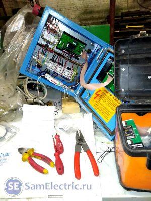 Процесс установки реле контроля фаз