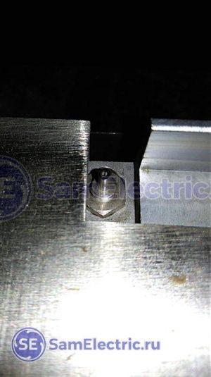 Оптическая часть оптоволоконного датчика. Даже сфотографировать проблематично