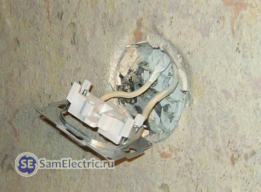 Надёжная установка розетки в подрозетник